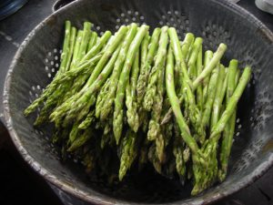 1 - Rinse asparagus